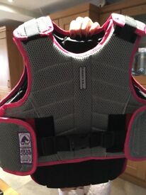 Harry Hall childs horse riding body protector -large hardly used