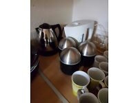 Kettle with canister and cups