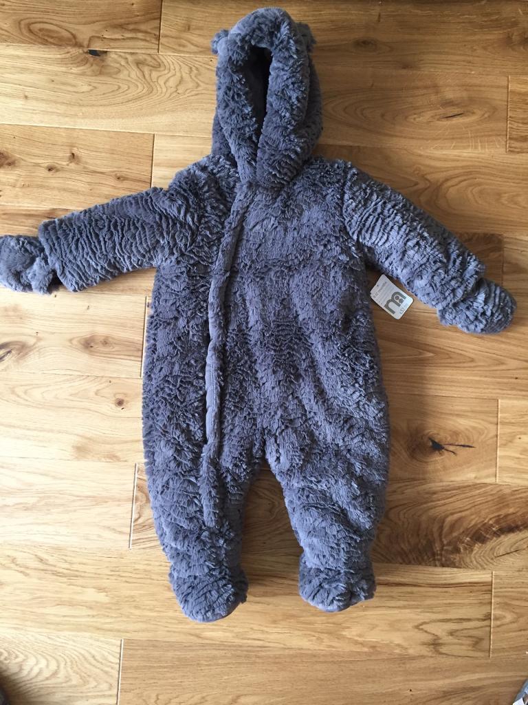 Mothercare unisex grey snowsuit 9 12 monthsin Southside, GlasgowGumtree - Mothercare unisex grey bear snowsuit 9 12 monthsNew been worn RRP £32.00
