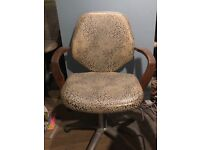 Salon/office chairs