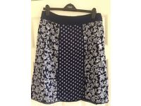 Women's FAT FACE size 14 skirt navy/white pattern
