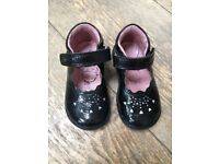 Startrite girl shoes - size UK 4F / EU 20 - black patent