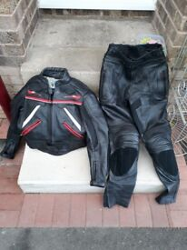 Leather motorbike suit. Small so would suit small lady or teenager.