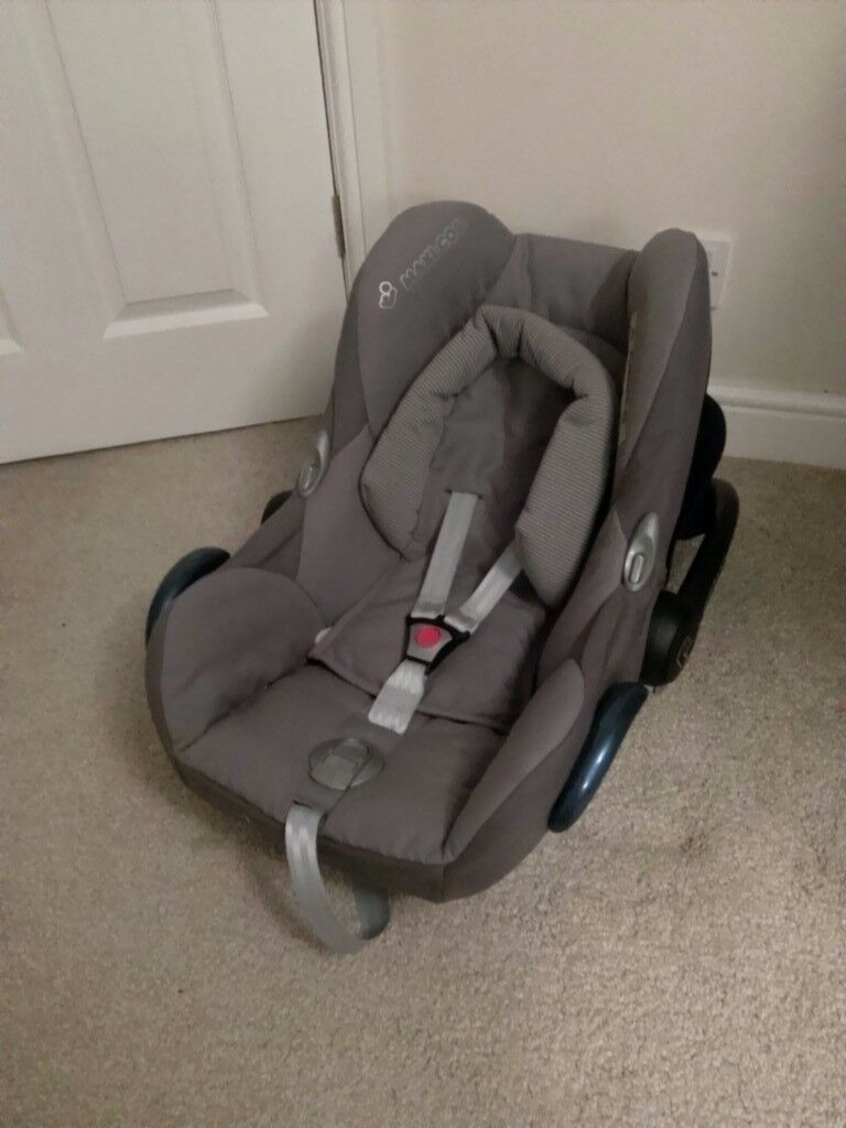 Maxicosi cabriofix baby carrier/car seat - used, great condition. Woburn Sands