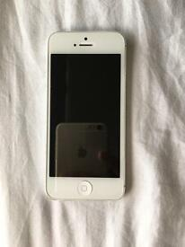 iphone 5 16gb unlocked to all network. Good condition. Only problem front camera doesn't work