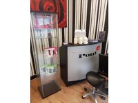 Salon 2×seats 1 reception desk great condition only £300 for all!!