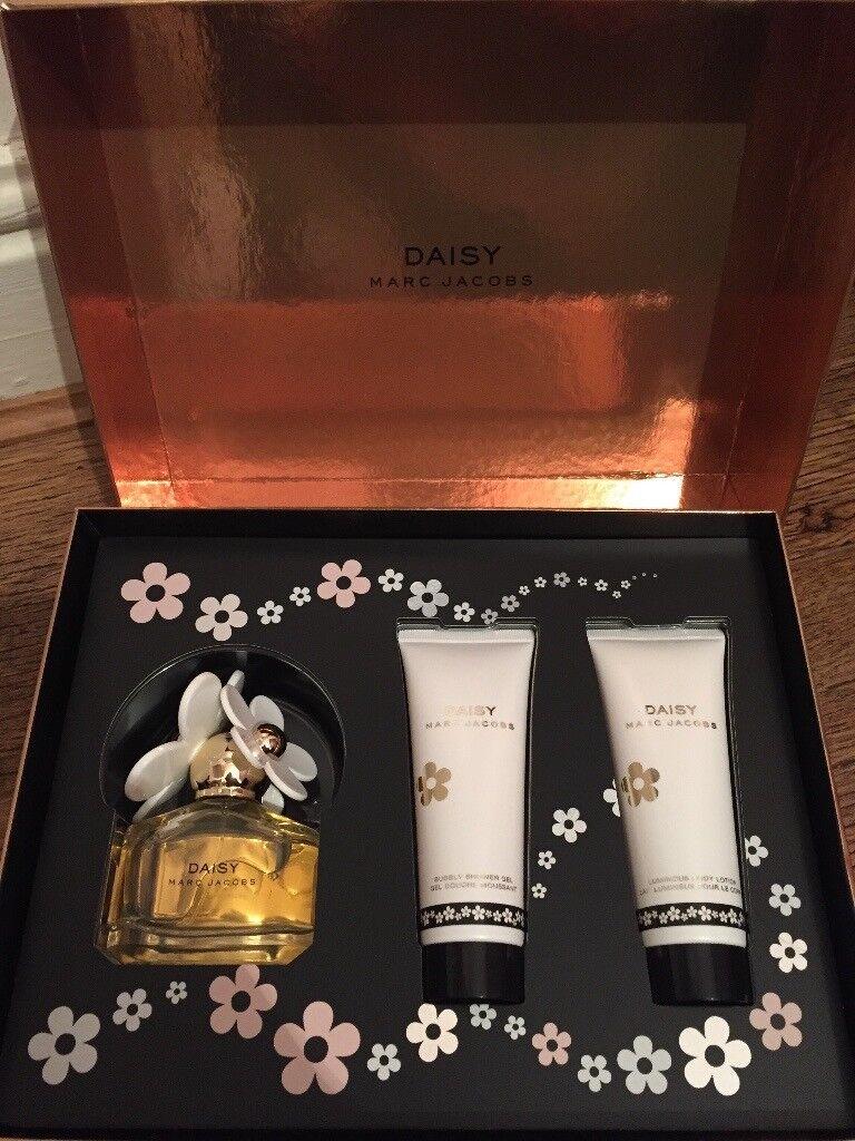 Brand new Marc Jacobs Daisy 50ml edt Gift Set