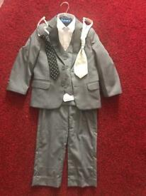 Boys suit age 4yrs old