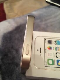 iPhone 5s 32gb gold locked to o2