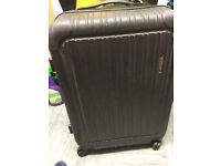 DELSEY VALAGUZZA black hard shell with 2 wheels and handle suitcase only £10