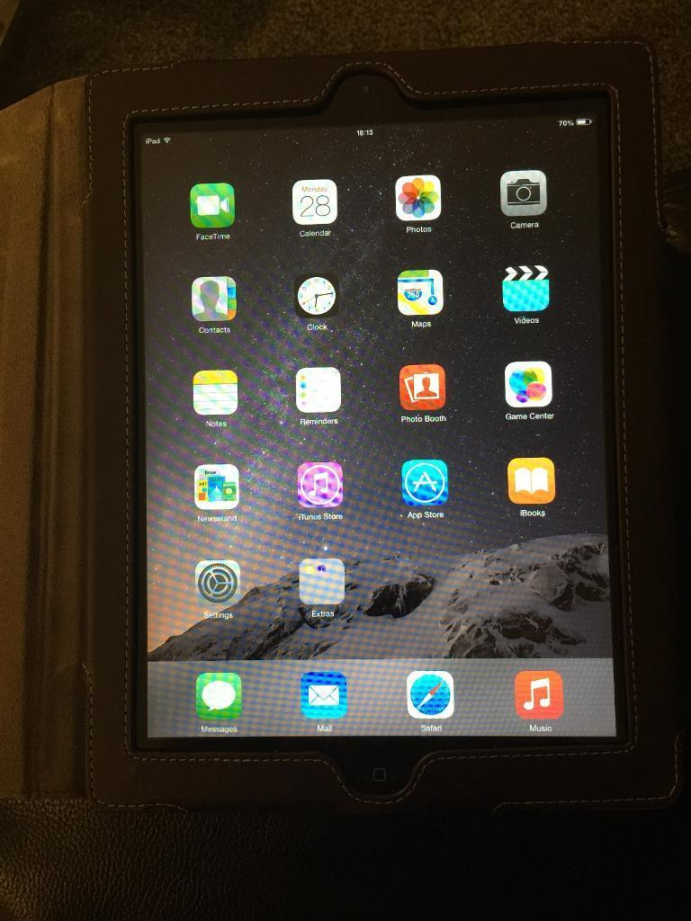 iPad 2 16GB good conditionin Ferryhill, County DurhamGumtree - iPad 2 16GB wifi only in good condition, priced to sell, doesnt come with the original charger, home button intermittent as majority of this model iPad