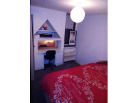 shared room, close to central london,leyton tube station just 5 min walk,SHORT STAY PER NIGHT
