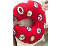 Feeding pillow in excellent condition