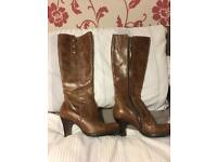 Tan brown leather boots size 4