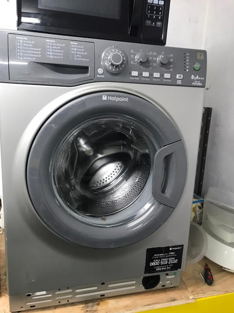 Silver hotpoint 8kg washing machine good condition with guarantee bargain