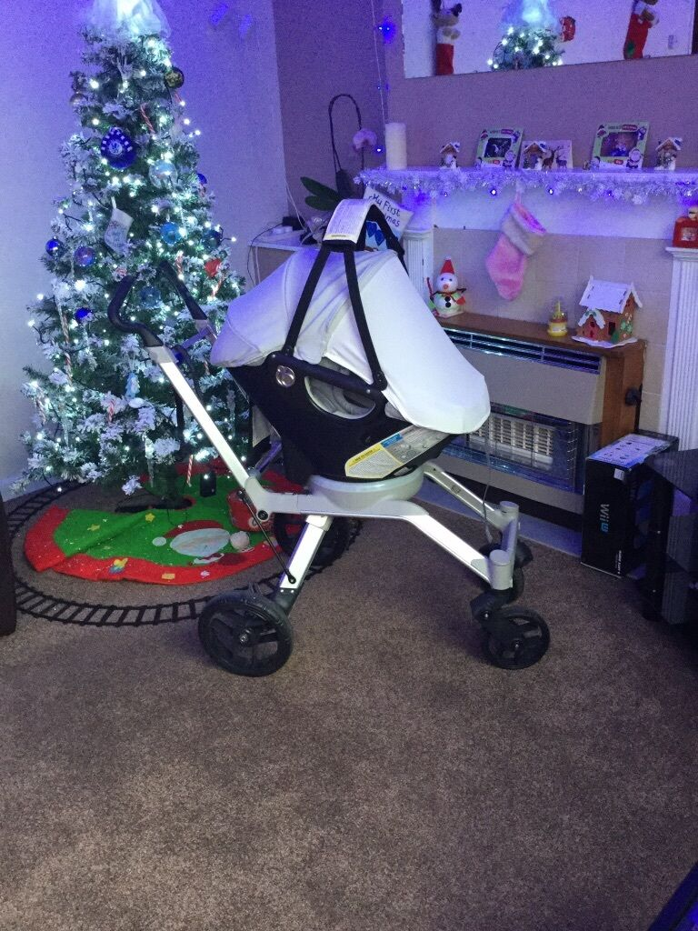 Orbit Baby Infant Stroller With Car Seat Base As Used By The Stars