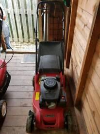Mountfield petrol lawnmower 39cm cut