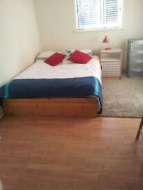 Affordable large double room with shower (Zone 2, West Kilburn)