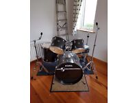 Tama Imperial Star 5 piece drum kit with hardware in Black