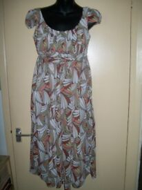 BEAUTIFUL SHORT SLEEVED PATTERNED DRESS SIZE 12 BY M&S BRAND NEW WITH TAGS