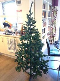 BRAND NEW 5ft Christmas Tree