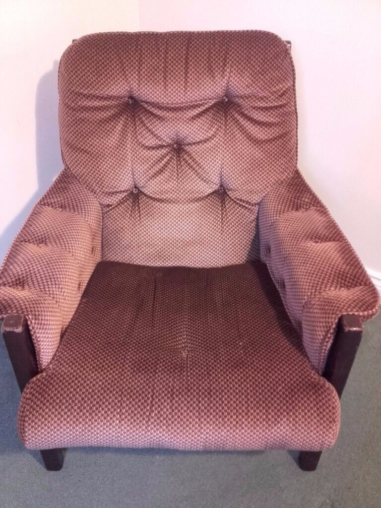 Armchairs 2 piecesin Yeovil, SomersetGumtree - Armchairs good condition. No pets, no smokers. Colour Brown. Only collection in Yeovil. £25 per each