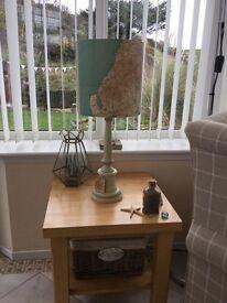 Side table light wood