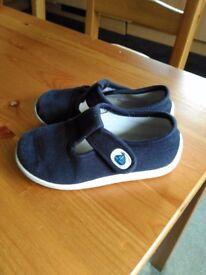 Navy blue JoJo Maman Bebe canvas shoes, infant size 8