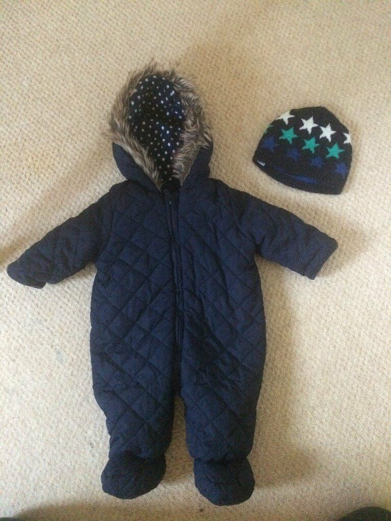 baby snowsuit with hat, size 3 6 month, excellent conditionin Grantham, LincolnshireGumtree - Baby snowsuit with hat for sale, excellent condition, £4 for both, collection Grantham please contact me if you need more photos