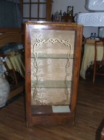 display/china/drinks cabinet with key very good condition grab a bargain at only £20