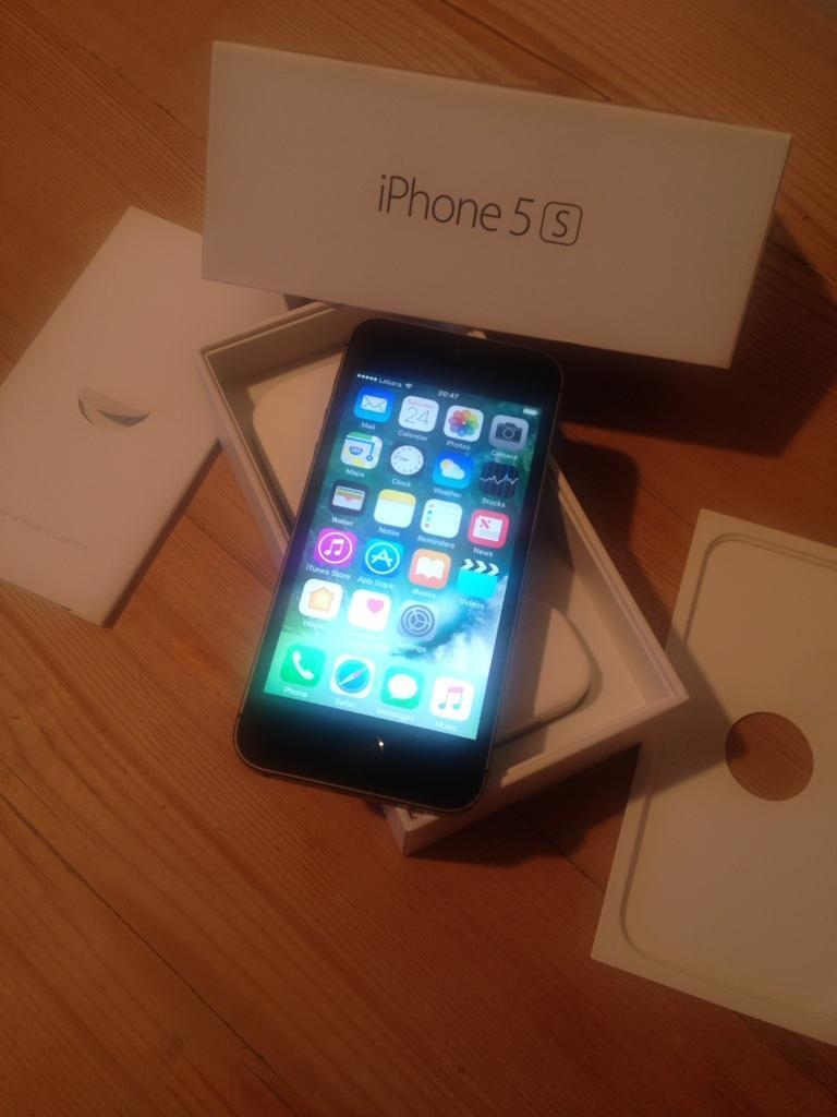 IPhone 5s 32 gb unlockedin Newmarket, SuffolkGumtree - Original iPhone 5s mint condition no scratch on screen excellent condition come with original box and accessories
