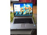 Laptop Fujitsu Siemens Amilo L7310GW