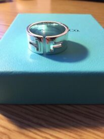 Genuine Tiffany & Co Solid Sterling Silver 'T' Cutout ring