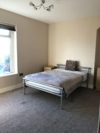 Large Double bedroom - bills and cleaner included
