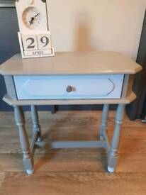 Upstyled corner/Side table