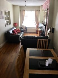 3 bedroom, fully furnished house to rent off the Cregagh road.