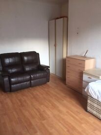 BEDSIT - 5min from Town Includes Bills £65pw