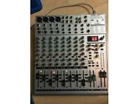 Behringer Eurorack UB1622FX-PRO Mixer Mixing Desk