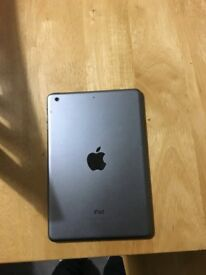 iPad Mini 2 16GB - barely used & in great condition