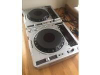 2 x PIONEER CDJ800 MK2 & ROLAND 909 MIXER (NEW BOXED) DJ SET UP!