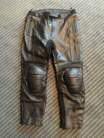LEATHER MOTORCYCLE TROUSERS - AS NEW. FRANK THOMAS 38 WAIST.
