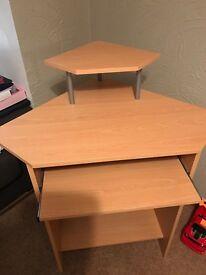 Corner compact desk