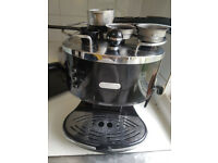 De'Longhi Icona Espresso Coffee Machine - Black Retro style