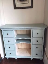 Cabinet Chest of Drawers side table