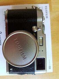 FUJI X100T Camera - Less than 2 months old