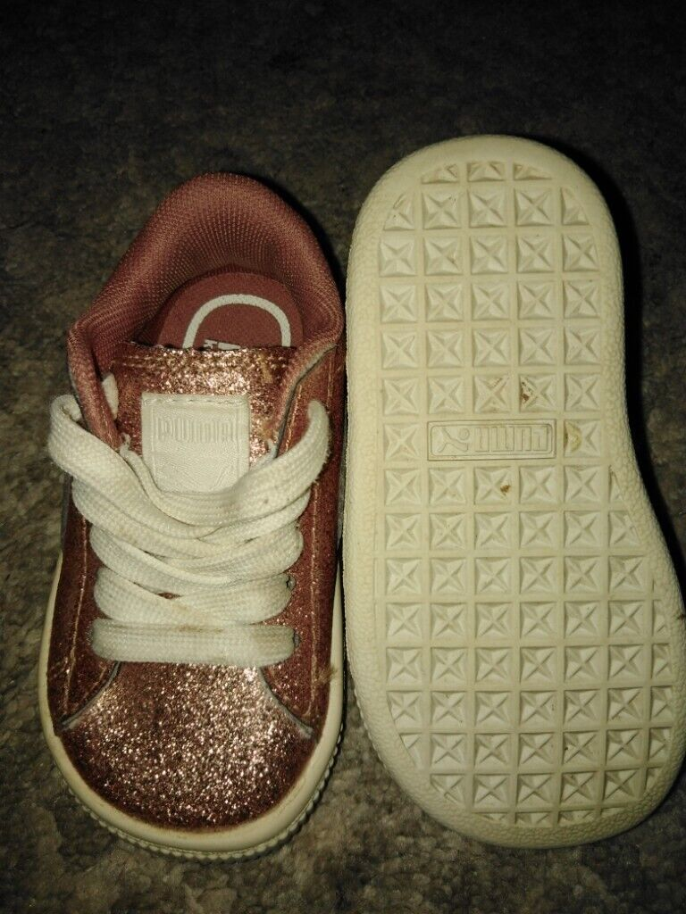 the latest 25e3a b259d Girls size 4 pink glitter puma trainers. | in Llanrumney, Cardiff | Gumtree