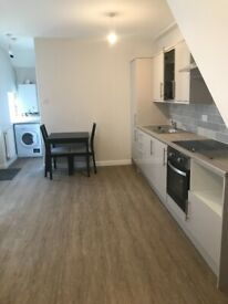 £750 PCM Spacious 2 Bedroom, furnished flat, garden, Cymmer Street, Grangetown, Cardiff, CF11 7AB.