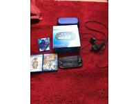 PS Vita Original Black Wi-Fi + 2 games + 3 Memory cards