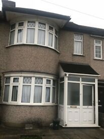 TWO-BEDROOM UNFURNISHED HOUSE TO LET IN RUISLIP (HA4) - £1,400 PCM