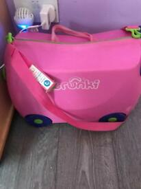 Trunki and baby pram head rest